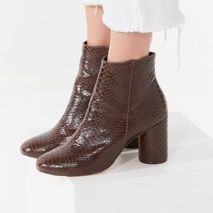 ✨UO✨Sabrina Faux Snakeskin Ankle Boot